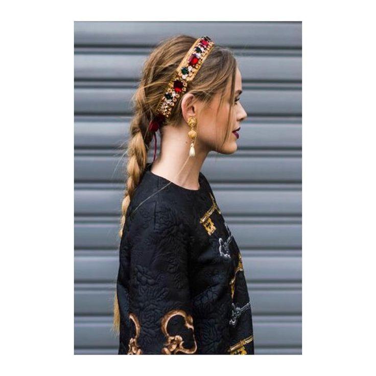 Hair inspo for Christmas Eve 👸🏼🍾 #TisTheSeason #DoItInStyle