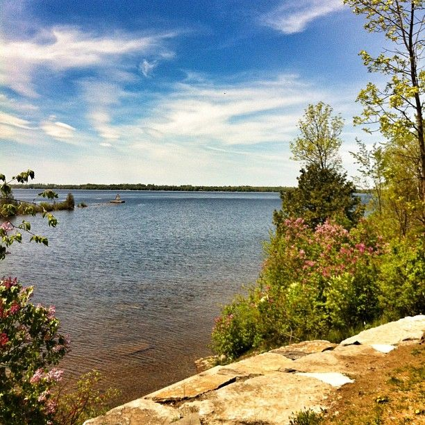 Enjoying the views.. #fenelonfalls #Ontario #RoadTrippin  Photo by karinainto
