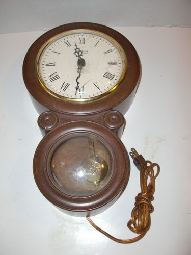 Vintage Spartus Electric Pendulum Made In Usa Wall Hanging