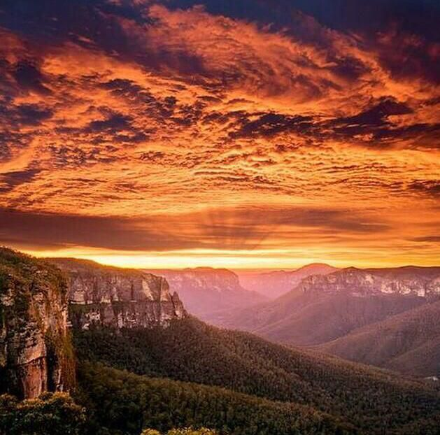 Sunset at the Blue Mountains