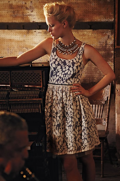 i always love how anthropologie styles their looks for their magazineHoliday Dresses, Anthropology, Minor Dresses, White Lace, Vinca Minor, The Dresses, Anthropology Style, Summer Holiday, Bibs Necklaces