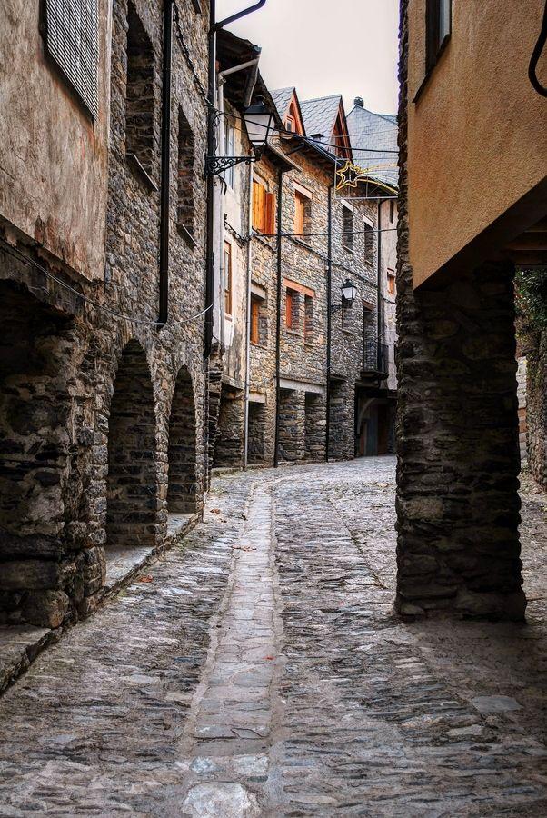 Sort. Lleida  Pallars Sobirà  Catalonia. Welcome to Catalonia. Polos BATECH®'s Country!