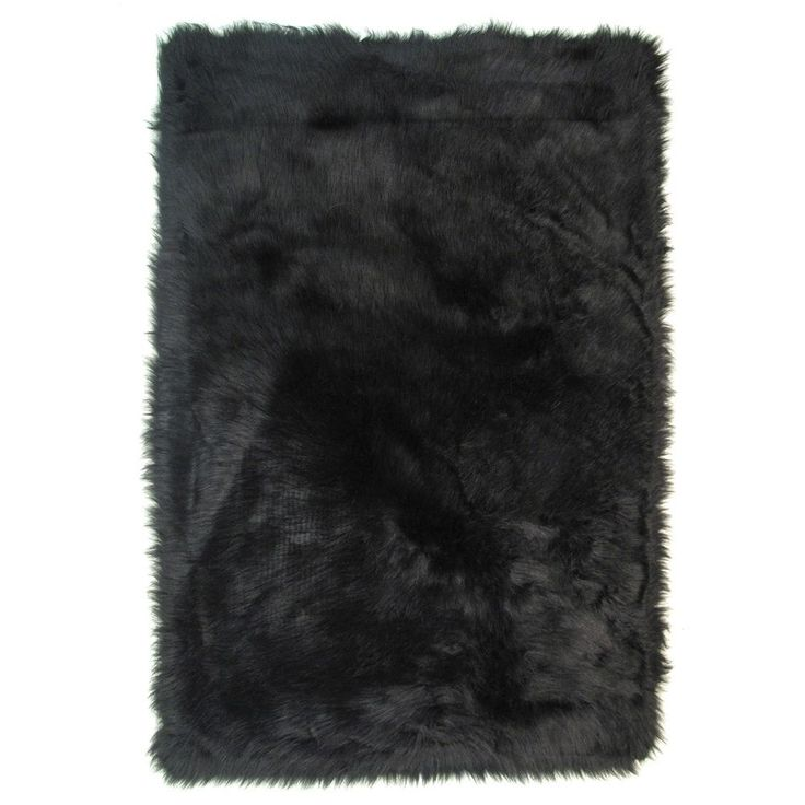 Black Polyester Accent Area Rug (2'6 x 3'9) (31 inch x 47 inch), Size 2' x 4'