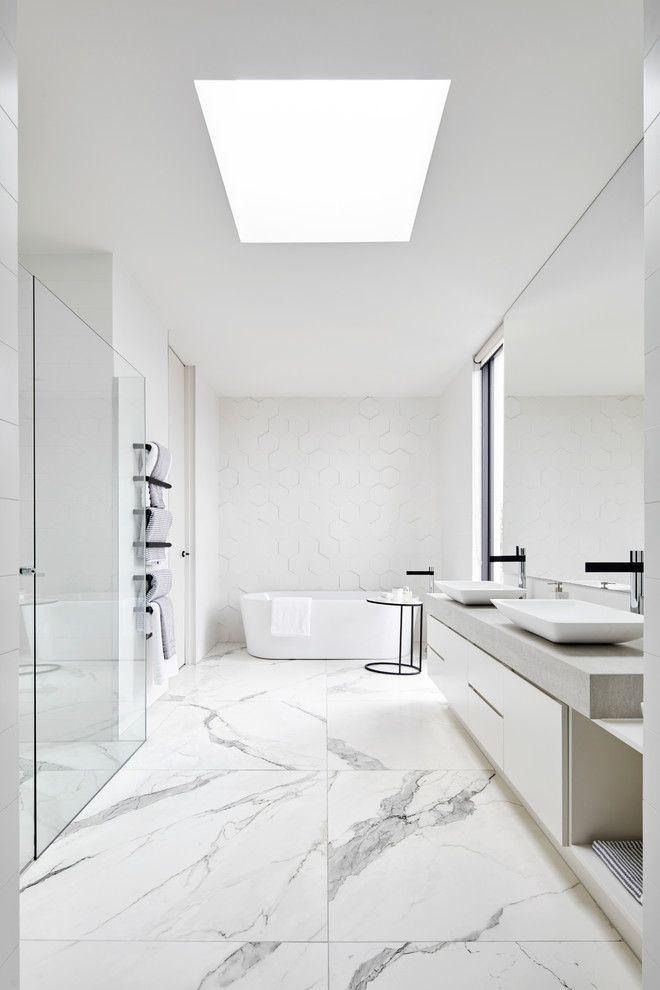 18 schlanke moderne Badezimmer-Designs, in die Sie sich verlieben werden