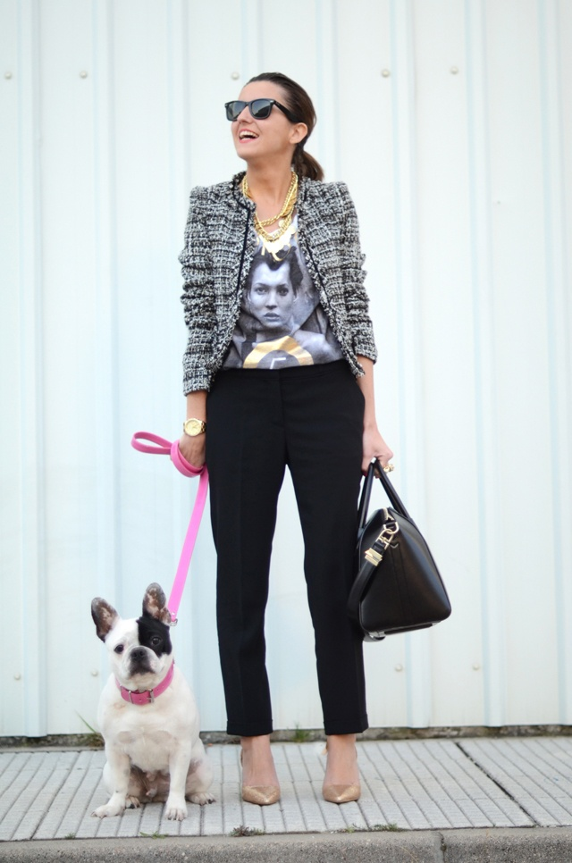 Graphic tee, tweed, black, and gold accents. via Lovely Pepa: Chanel Tweed, Fashion Focus, Tweed Jackets, Tweed Black, Graphics Tees, Style Inspiration, Street Style, Tweed Chanel, Style Ideas