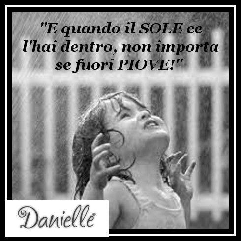 Noi di Danielle questo venerdì di #pioggia lo affrontiamo così! BUONA GIORNATA!!!