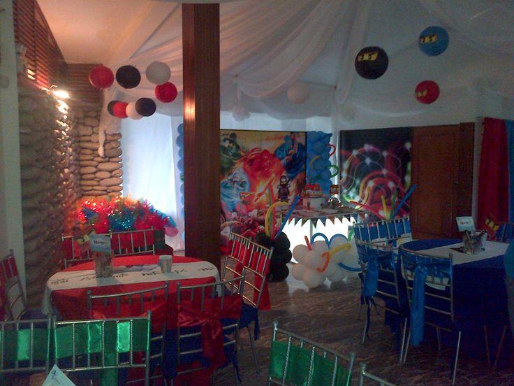 Decoracion completa en el salon para ninjago party ideas - Ideas decoracion salon ...