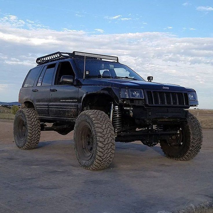 @niner_nate #jeep Follow my other pages @So_Many_Jeeps @OffroadAndMudding @TrucksAndTrucks Join the forum on the new website http://ift.tt/1Tqjism by jeepsandjeeps