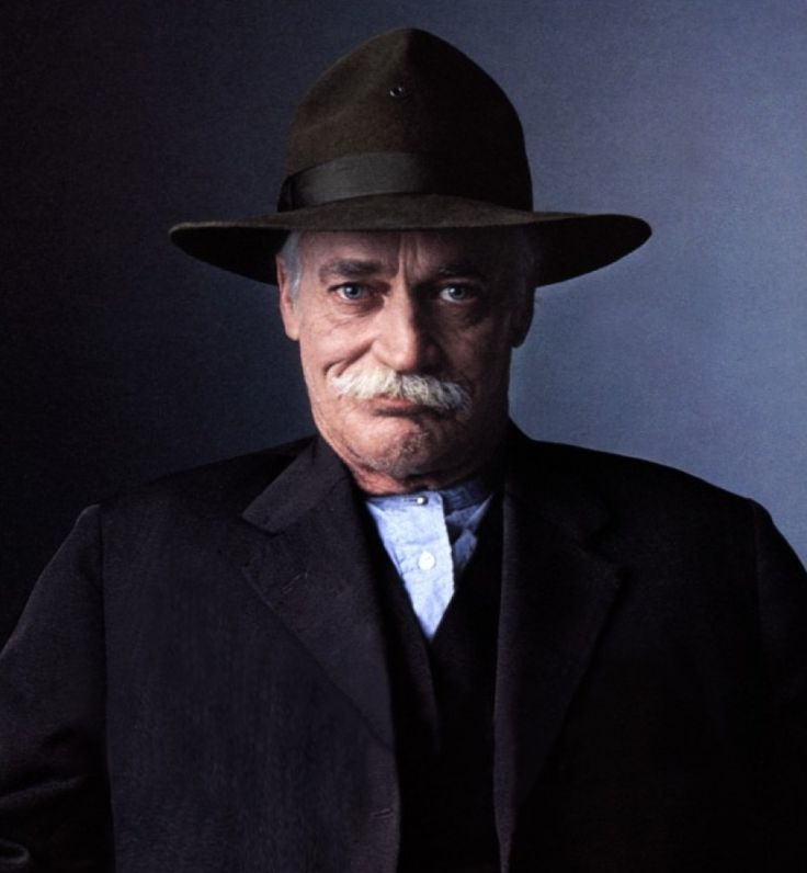 Richard Farnsworth, the actor whose name you might not have known, has a star on the Hollywood Walk of Fame. Description from stargazermercantile.com. I searched for this on bing.com/images