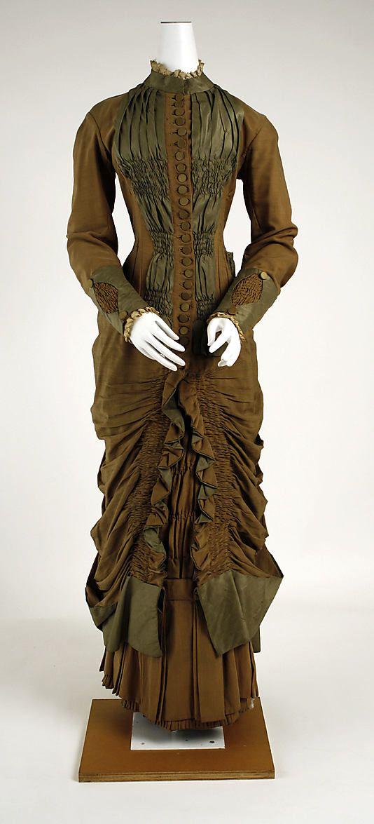 Dress  Date: 1881–83 Culture: British Medium: wool, silk  Metropolitan Museum of Art  Accession Number: C.I.37.46.87