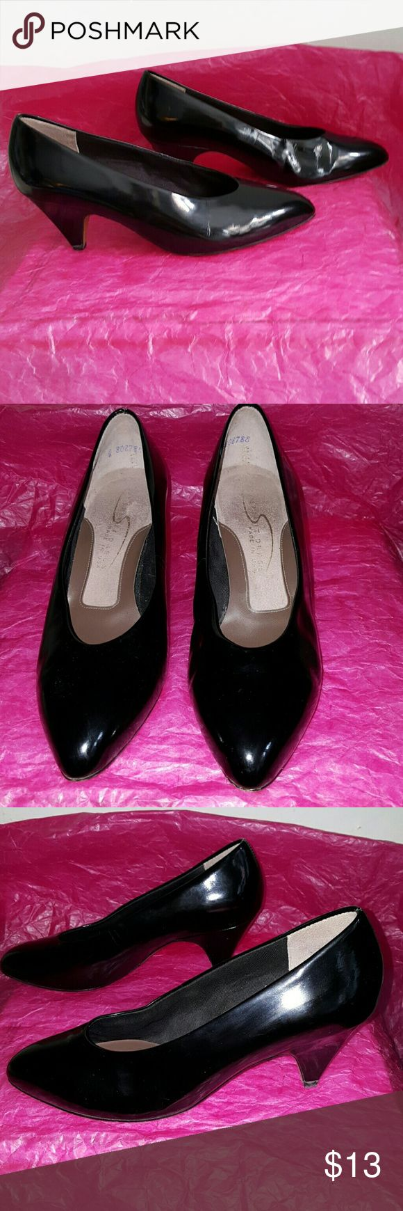 """Easy spirit dress black patent shoes size 7 2 1/4"""" covered heel. Leather sole. Left heel has a long scub. Made in USA. Easy Spirit Shoes Heels"""