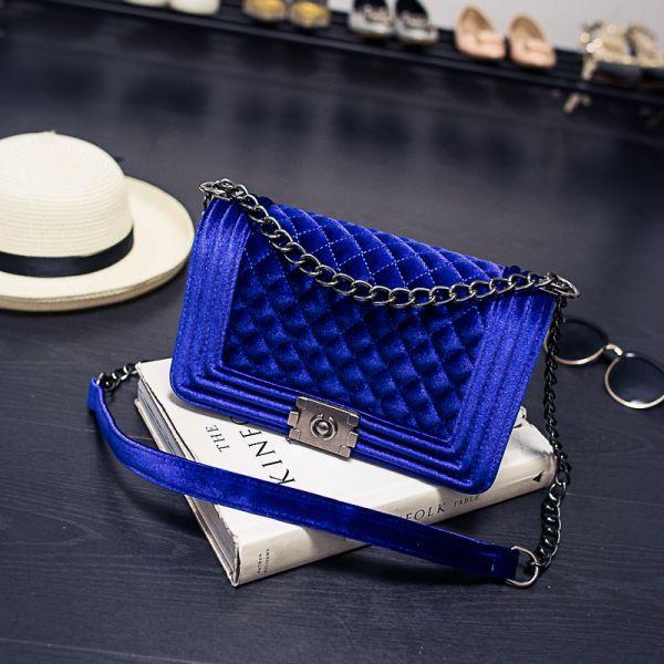 Blue Velvet Quilted Flap Chain Bag / Mavi Elmas Nakışlı Kadife Bayan Omuz Çantası