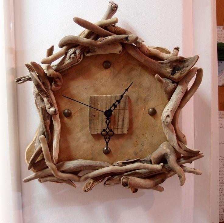 driftwood clocks...ρολόι από θαλασσoξυλα σε φέτα κορμό ..35cm x 30cm