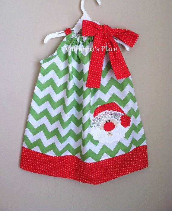 Santa Claus Christmas Chevron pillowcase dress por Valentinasplace, $32.00