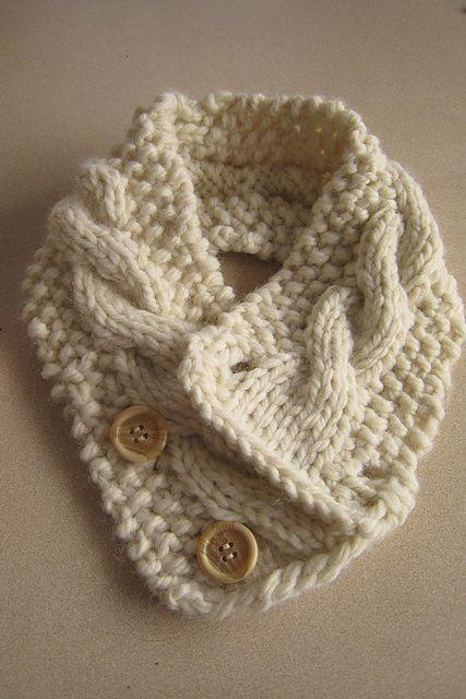 Ravelry: com cabo pescoço padrão mais quente por Frances Lunney