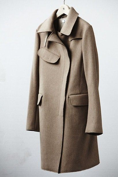 Jil Sander for Uniqlo, coat trench with interesting pocket   The Gifts Of Life