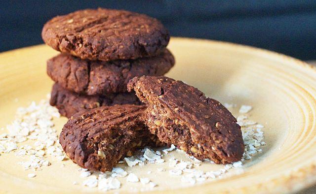 Biscuiți INTEGRALI din OVĂZ cu efecte DIGESTIVE, buni pentru copii și adulți | La Taifas
