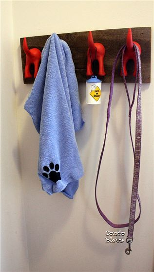 DIY Dog Tail Leash Organizer