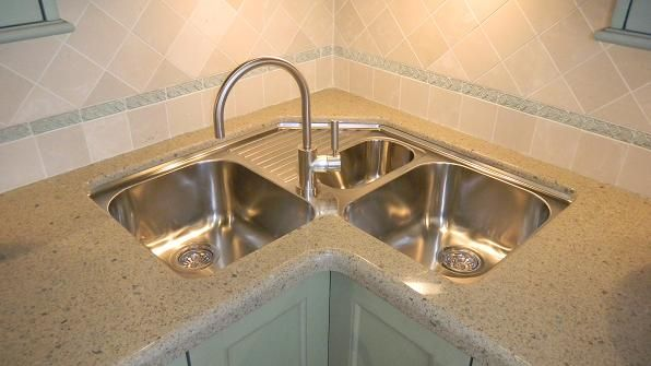 Corner Sink Kitchen Undermount : Corner Kitchen Sinks -Great For That L-Shaped Kitchen Design ...