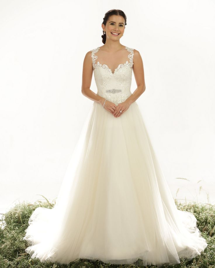 58 best Veluz - Wedding dresses images on Pinterest | Wedding frocks ...