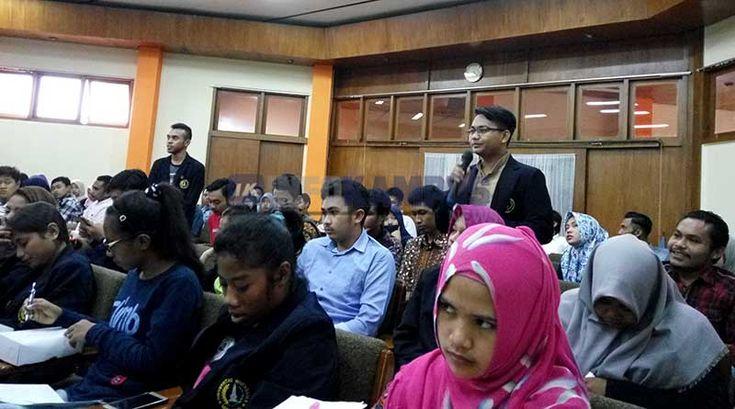 Peran Mahasiswa Dalam Peradilan Indonesia - Semua warga negara sangat berperan penting dalam peradilan negara, khususnya peran mahasiswa dalam peradilan Indonesia sangatlah dibutuhkan.   - https://infokampus.news/peran-mahasiswa-dalam-peradilan-indonesia/