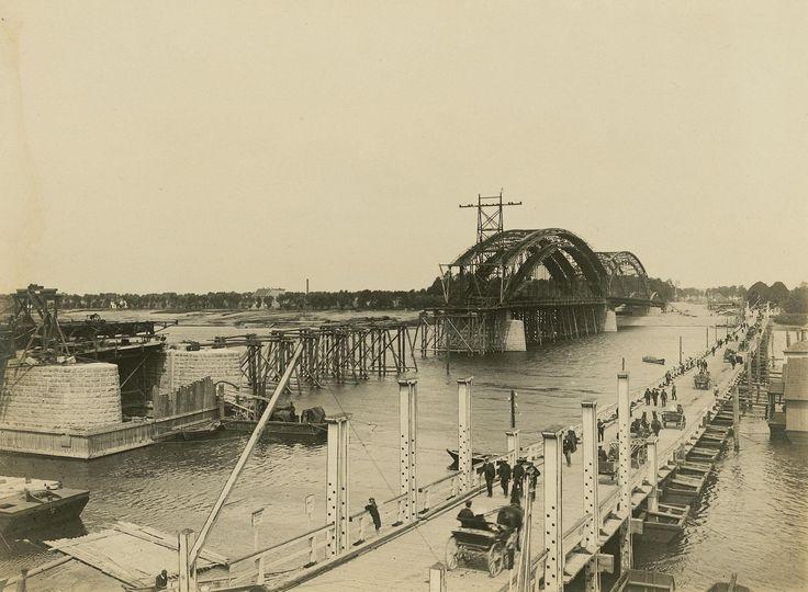 Тильзит. Строительство моста Королевы Луизы. Фото ок. 1905-1908 г.г  Tilsit. Bau der Königin Luise-Brücke,  um 1905-1908.