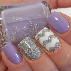 Chevron purple & silver nails