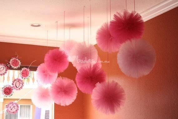 Pompones de seda decoracion de fiestas infantiles