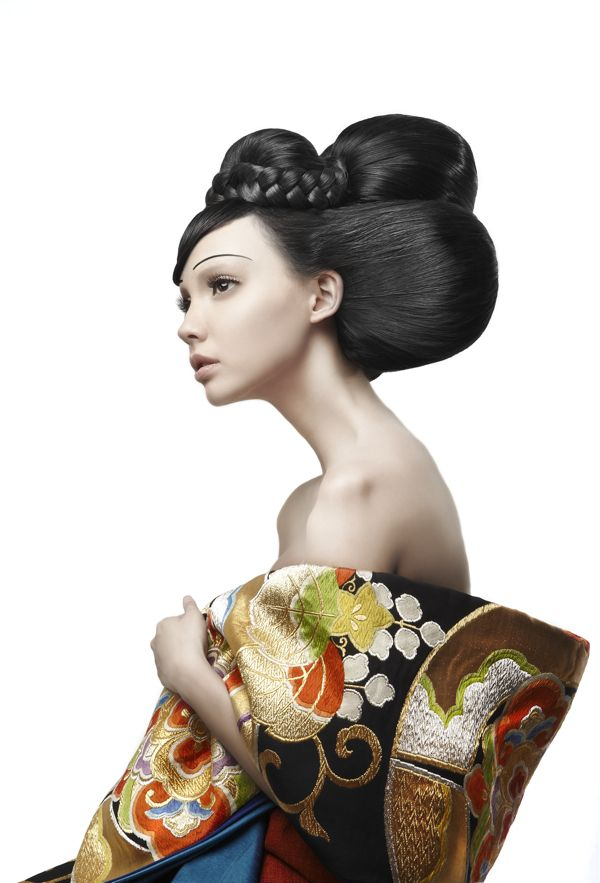 geisha, beautiful shapes in this photograph #avantgarde #hair