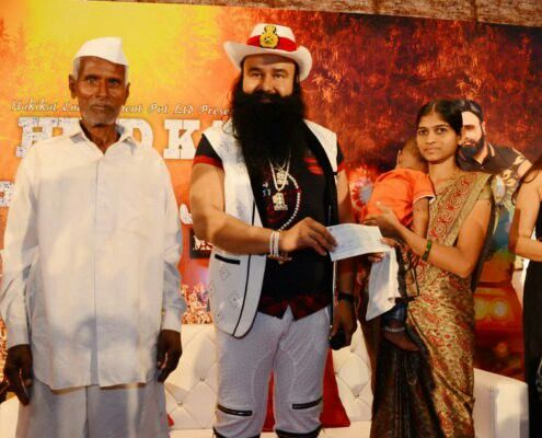 """Dr.MSG is the best !! Person who is king of millions of heart. """"HIND KA NAPAK KO JAWAB"""" shows his patriotism for the Nation."""