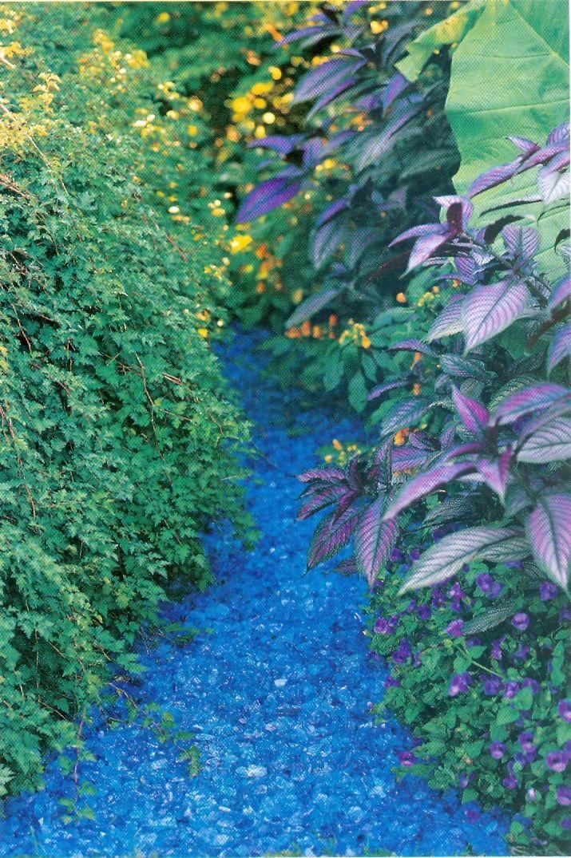 Glass mulch, garden glass, decorative glass etc.. find more glass in www.ecoglass.cn  -------------------by Alex @ www.ecoglass.cn