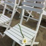#trouwen met de voeten in het zand. Wie wil dat niet? Het kan bij http://www.zomertijdstrand.nl/trouwen