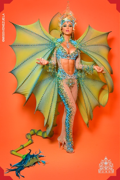 Vanessa Gonçalves. Miss Venezuela 2010: Costumes Dragon, Shrek Costumes, Venezuela Costumes, Shrek The Music Costumes, Dragon Costumes, Costumes Inspiration, Adult Costumes, National Costumes, Costumes Wings