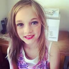 DAISY TOMLINSON!!! OMG SHES VERY PRETTY!!! UGH IM SO JEALOUS RIGHT NOW!!!