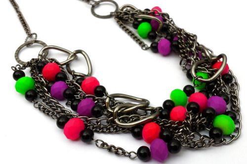 Gunmetal and Neon Necklace by shinycatcreations http://ift.tt/2B3xft9 Free eBook at http://ift.tt/219cweU with easy jewelry making projects.  Gunmetal and Neon Necklace by shinycatcreations ...