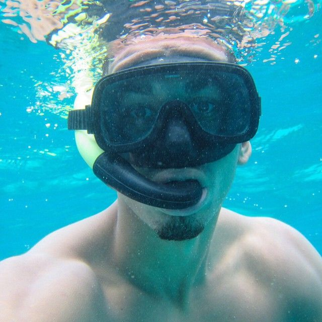 @manutd's Chris Smalling has been doing a spot of snorkeling this summer.