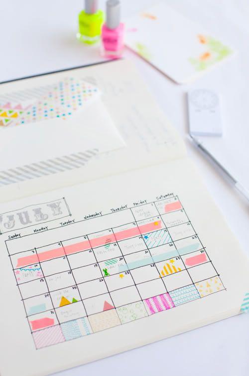 Calendario con cinta washi. Voy a hacerlo en el mío para llevar la cuenta de las actividades de manera más fácil.: Ideas, Diy Calendar, Diy'S, Organizations, Calendar Design, Neon Colors, Nails Polish, Diy Planners, Washi Tape Calendar