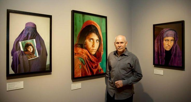 Steve McCurry werd wereldberoemd met zijn foto van een Afghaans meisje met helder groene ogen, die in juni 1985 de cover van National Geographic sierde. Sindsdien geldt hij als een van de meest gewaardeerde fotografen ter wereld.