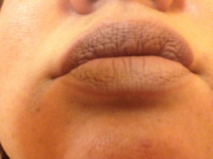 On the top lip is Tarte's Texas Toast & on the bottom lip is NYX's Sandstorm. When my sister saw my lips like this, she thought that both lips are Texas Toast