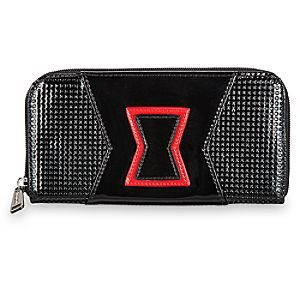 [In the black]Your finances will be safe in the hands of the Black Widow. This patent vinyl wallet by Loungefly, inspired by the Avenger's striking outfit, features an embossed Marvel logo plate and compartments for all your credit cards and cash.