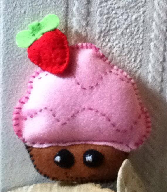Kawaii Pink Cupcake Feltie by VanyaCrafts on Etsy, £3.00