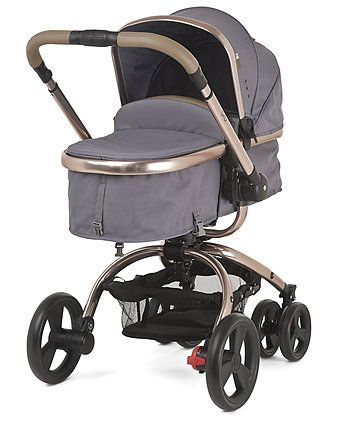 The Mothercare Orb Pram and Pushchair has a unique one hand rotation that allows you to quickly convert from forward to parent-facing mode, and is travel system compatible to suit the needs of your family.