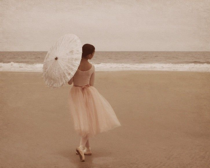 Ballerina  , another pose to go along with the ballerina unbrella photoshoots <3 @Kat Ellis Oborn