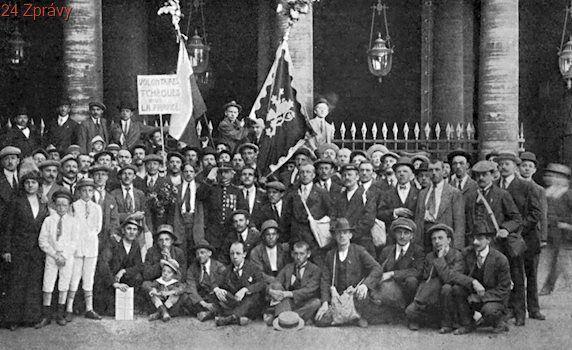 Vojáci ve službách vlasti? Tělovýchovného Sokola nesnášeli nacisté, katolíci i komunisté