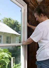 restoring windows...so far, 12 windows done...9 more double hung windows to do and 17 casement windows in the sunroom!
