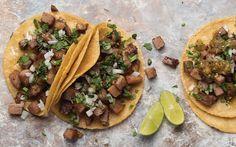 Aprender a preparar riquísimos tacos de suadero en la comodidad de tu hogar. También disfruta de las recetas de salsa típicas mexicanas. Cocina Vital