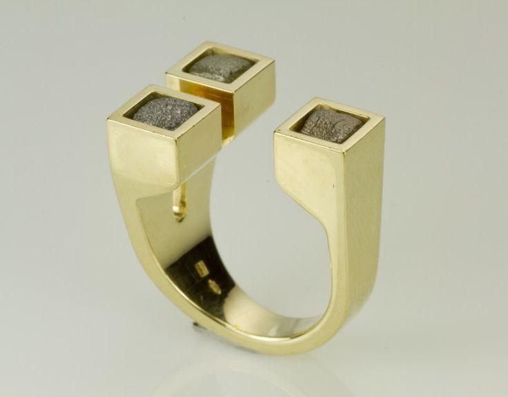 Ring met 3 ruwe diamanten | Ringen € 900 en meer | goldline