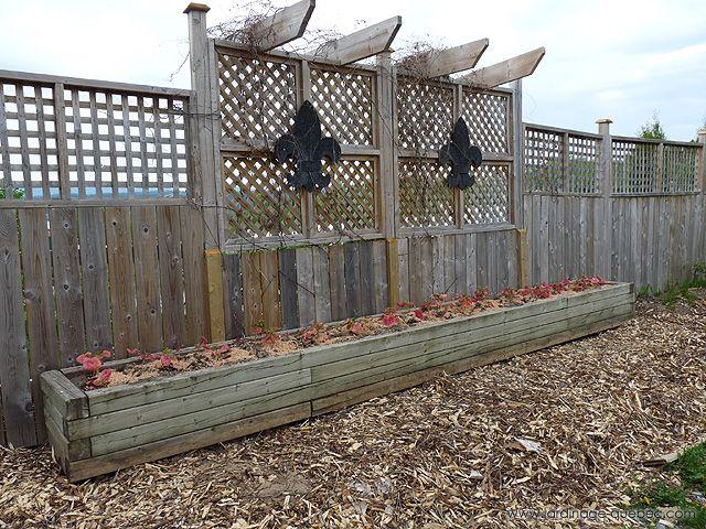 Comment constrire une #clôture de jardin - Clôture rigide #jardin #diy