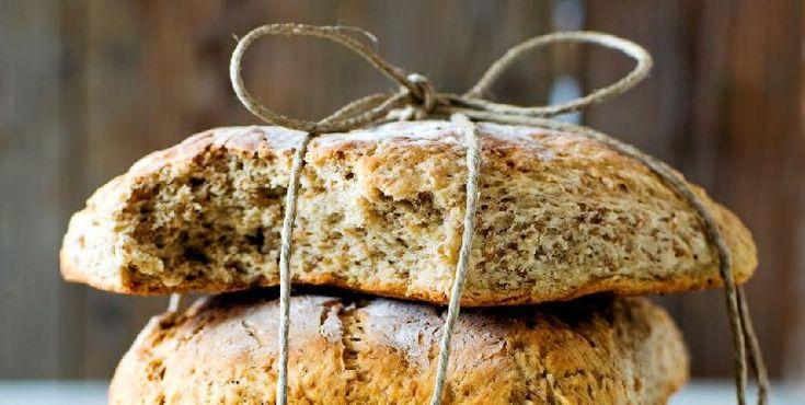 Firkantede helkornbrød - Fire brød i en og samme langpanne! Denne måten å bake brød på er superpraktisk.