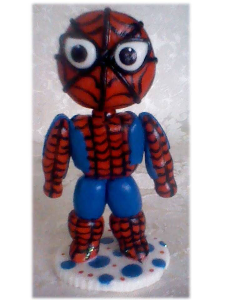 Spiderman bebe, hecho en masa flexible.